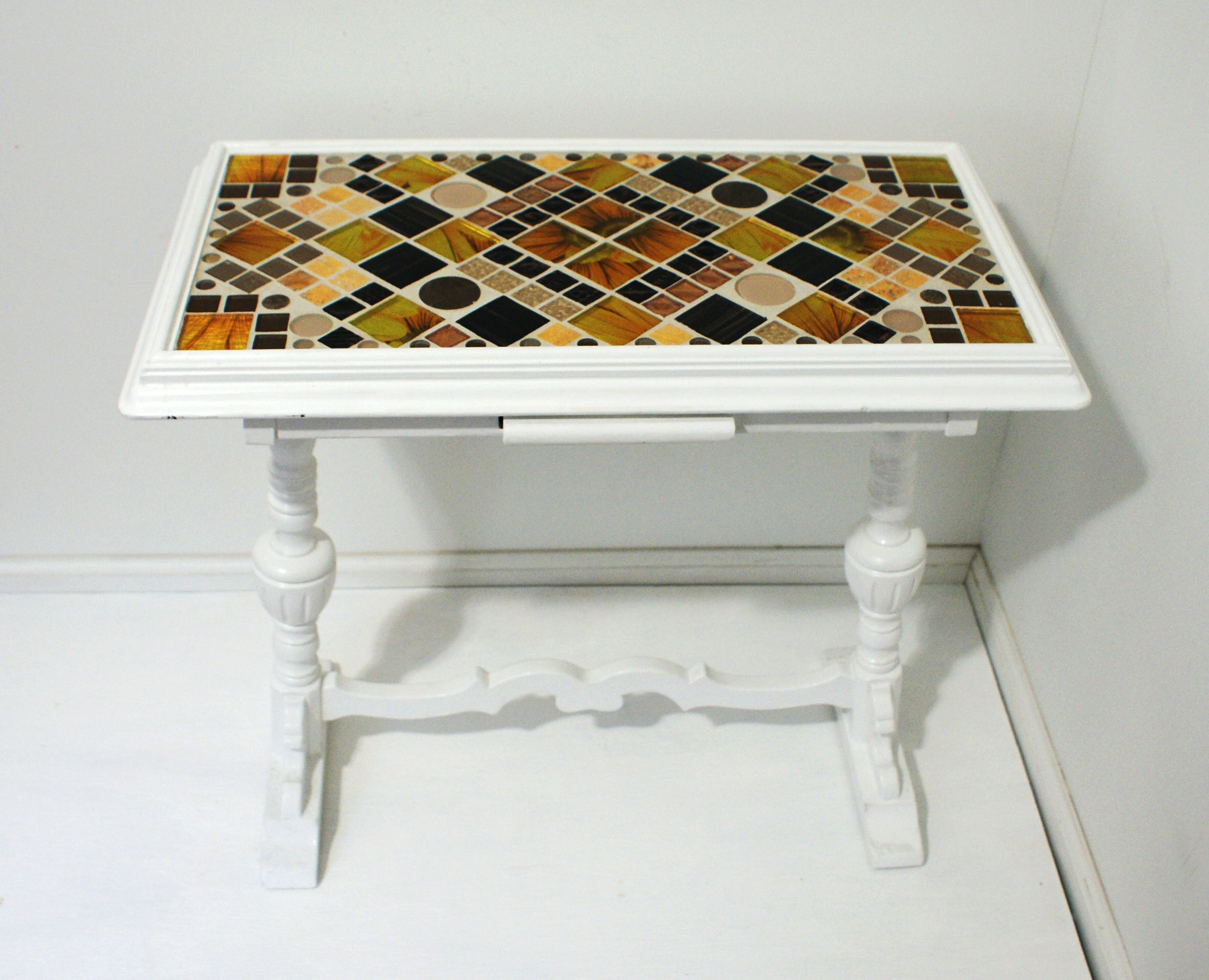 on tile serving tray well you can tile practically anything one